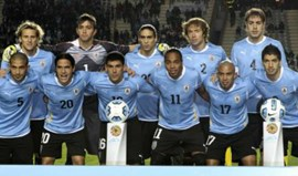 Uruguai: Coates e Maxi Pereira entre os convocados para jogos com Brasil e Peru