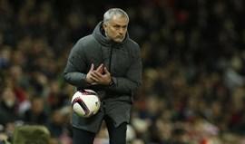 Mourinho tem via aberta para as meias-finais