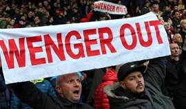 Arsène Wenger muito contestado, promete anunciar em breve o que irá fazer no futuro