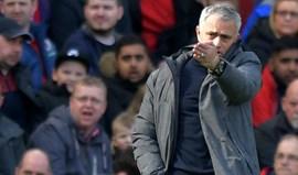 Mourinho: «Vamos tentar ganhar a Liga Europa e o quarto lugar»