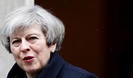 Atentado de Londres: Theresa May convoca reunião de emergência