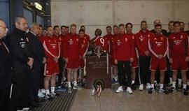 Da camisola 9 às coroas: As lembranças da seleção húngara para Fehér