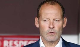 Federação holandesa vai reunir-se com o selecionador Danny Blind