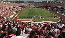 Adepto do São Paulo em estado grave após cair da bancada para o exterior do estádio
