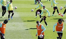 Seleção na máxima força no último treino antes da partida com a Suécia