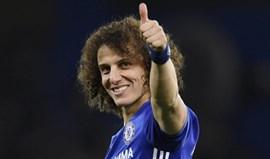 David Luiz passou pela Luz para matar saudades