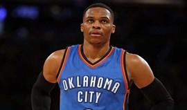 Westbrook faz 37.º triplo-duplo da época na vitória dos Thunder
