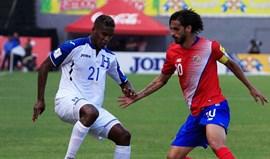 Costa Rica com Campbell e Bryan Ruiz empata nas Honduras