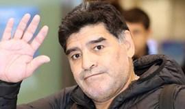 Maradona diz que Bauza tem ferro quente nas mãos e vai ter de o aguentar