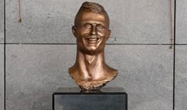 Escultor do busto: «Cristiano Ronaldo gostou, só mandou tirar umas rugas»