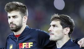 Casillas para Piqué: «Senhor, livrai-me deste demónio»