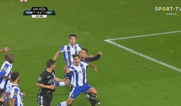 FC Porto reclama penáltis por marcar nestes três lances