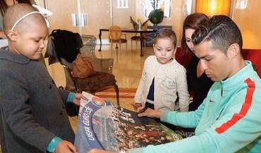 Cristiano Ronaldo volta a mostrar o seu lado mais solidário com as crianças