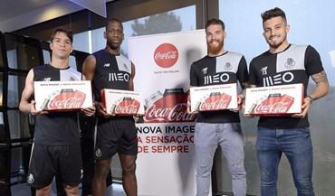Coca-cola surpreende jogadores do FC Porto com truques de magia