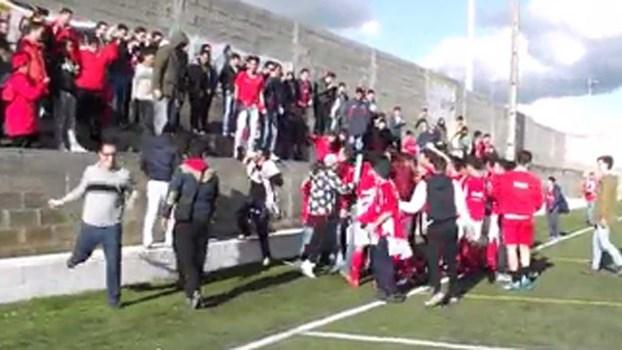 Distrital de Santarém: o jogo acabou e foi a loucura com a subida do Amiense