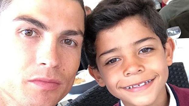 Ronaldo almoça na melhor companhia