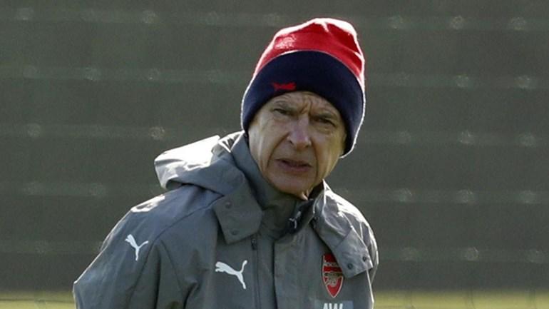 Adeptos do Arsenal exigem saída de Wenger
