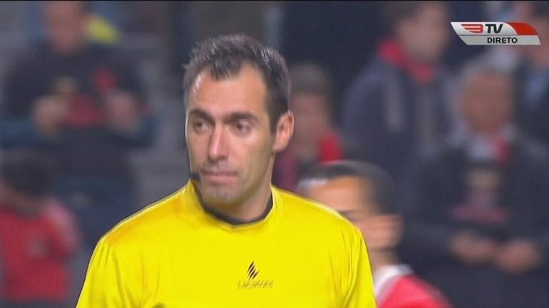 Bruno Esteves mudou de camisola ao intervalo