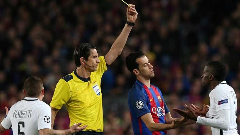 Uefa não suspenderá árbitro de Barça-PSG