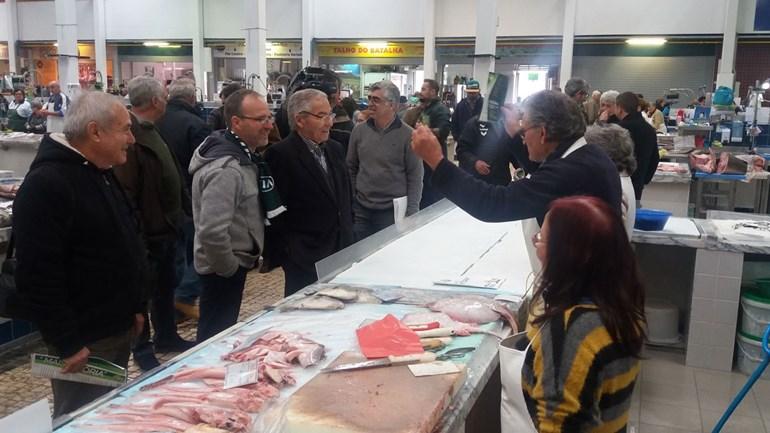 Fernando Oliveira apela ao voto no mercado do Livramento