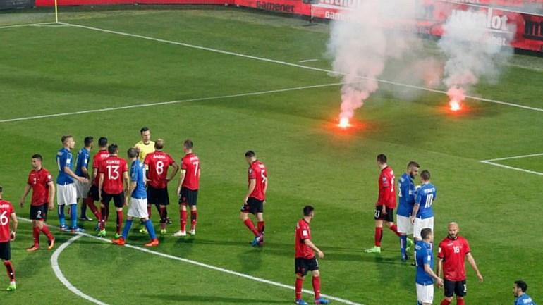 Petardos suspenderam Itália-Albânia