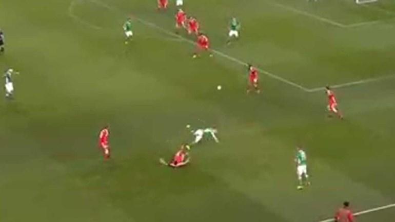 Imagens arrepiantes: Coleman parte a perna diante do País de Gales