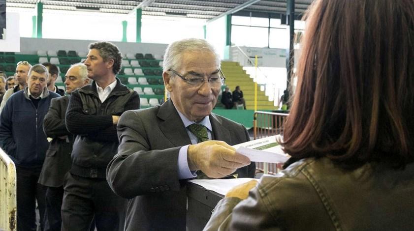 Fernando Oliveira reeleito