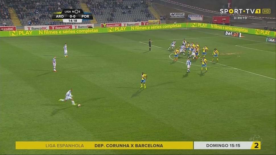 FC Porto goleia em Arouca e volta a ser líder provisório