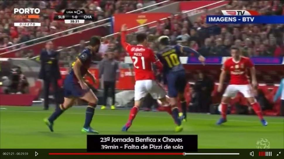 Os 11 lances em que Pizzi deveria ter visto amarelo, no entender do FC Porto