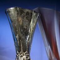 Ajax-Lyon e Celta de Vigo-Manchester United nas 'meias' da Liga Europa