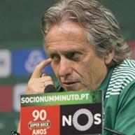 'Roubar' o título ao Benfica? Jesus responde: «Não temos nada a ver com isso»