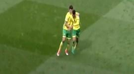 Nélson Oliveira em grande no empate do Norwich