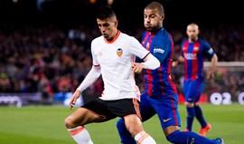 Treinador do Valencia defende Cancelo: «É um miúdo que vale a pena»