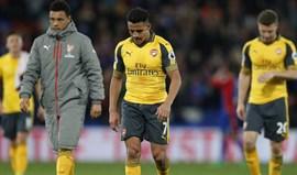 Carragher diz que nenhum pai queria ter como genro um cobarde do Arsenal