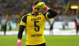 Bartra homenageado no relvado do Signal Iduna Park