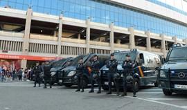 Detidos mais dois adeptos do Leicester por distúrbios em Madrid