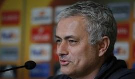 Mourinho: «É motivação de todos aqui ver o United na final da Liga Europa»
