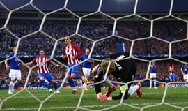 Penálti deu triunfo ao Atlético Madrid sobre o Leicester