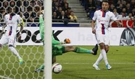 Fífia monumental deFabri dá vitória ao Lyon
