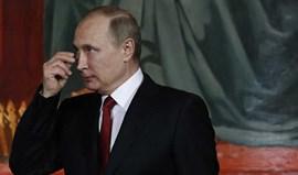 Putin promulga lei que pode barrar entrada de 'hooligans' na Rússia