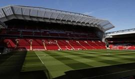 Bis de Benteke 'trama' reds no regresso a Anfield