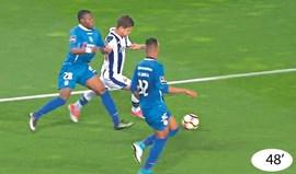Casos do FC Porto-Feirense: Dois penáltis por assinalar
