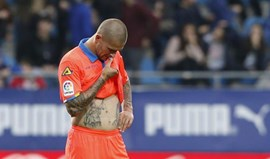 Marko Livaja suspenso cinco jogos por empurrão a árbitro