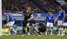 Chelsea termina série vitoriosa do Everton e está cada vez mais perto do título