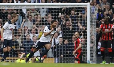 Tottenham volta a golear e pressiona Chelsea