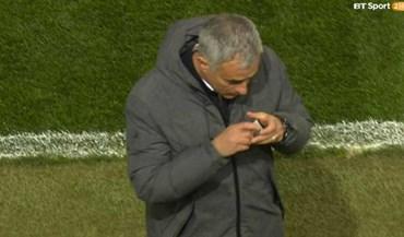 O amuleto da sorte de Mourinho que deixou ingleses intrigados