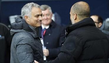 Os sorrisos entre Mourinho e Guardiola