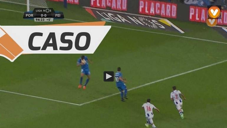 FC Porto ficou a reclamar outro penálti já nos descontos