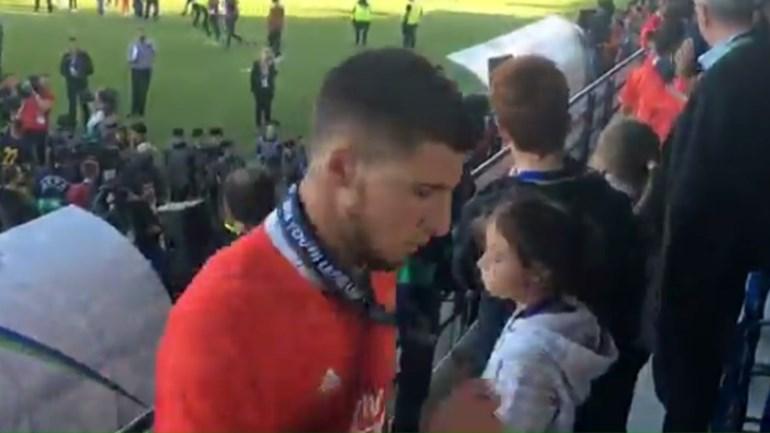 A desolação dos jovens do Benfica após mais uma derrota europeia