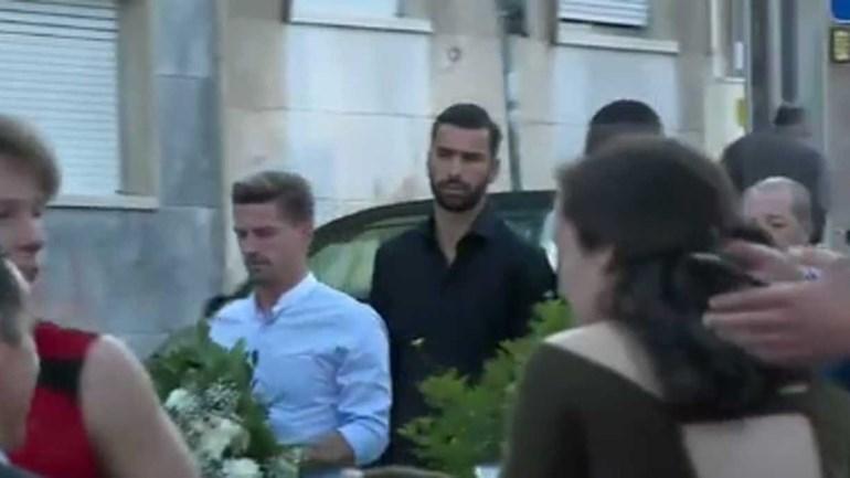 Capitães do Sporting levam coroa de flores para velório do pai de Jesus